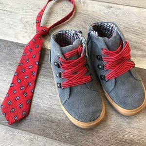 Other - Urban Tie & Shoe set